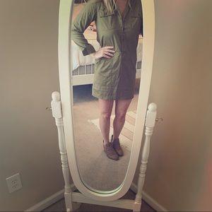 LOFT Women's green casual dress